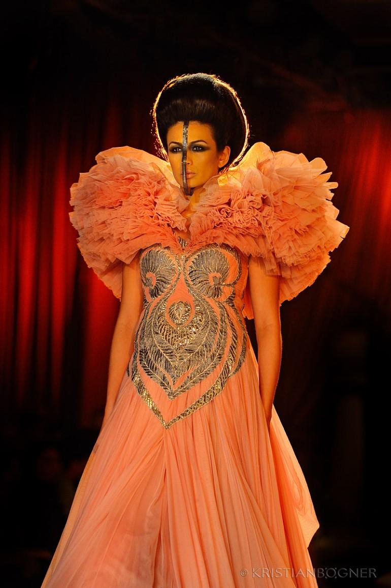 Amazing Fashions